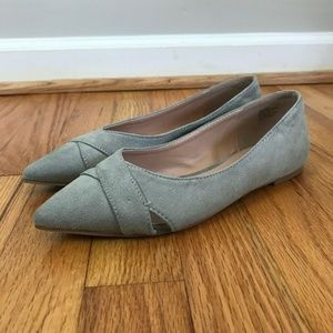 Journee Collection Winslo Grey Pointed Toe Flats